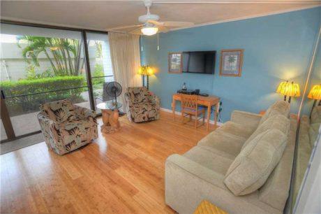 Maui Parkshore room