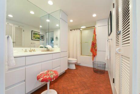 Bathroom1 (12)