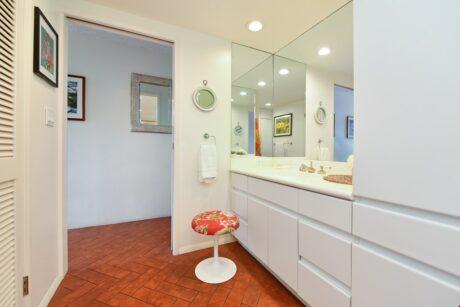 Bathroom2 (12)