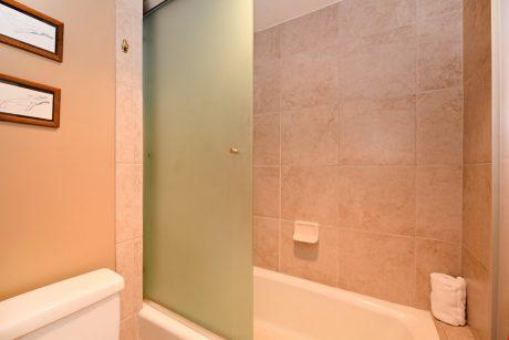 HMB304_bath_tub