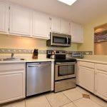 HMB304_kitchen