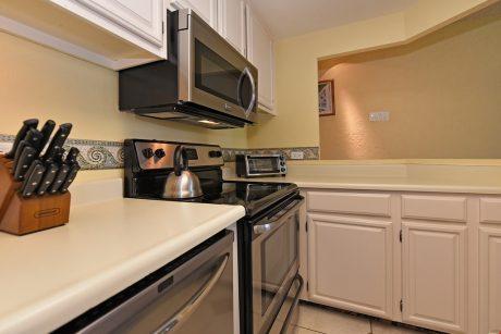 HMB304_kitchen2