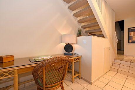 HMB403_desk_stairs