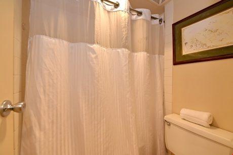 HMB403_guest_bathrm_shower