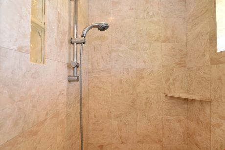 MVA101_master_shower