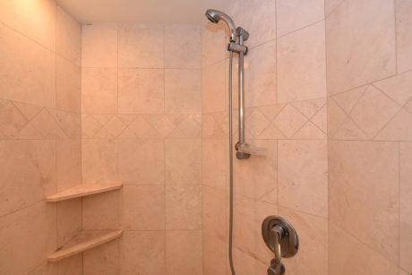MVA101_shower
