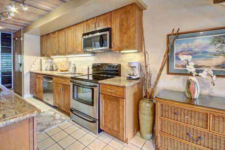 MVD275_kitchen