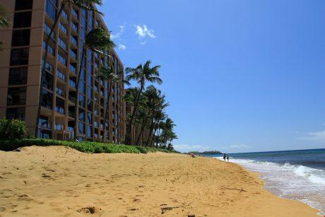 Mahana_beach_South