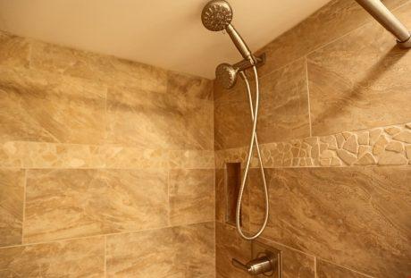 V0208_guest_bath_shower