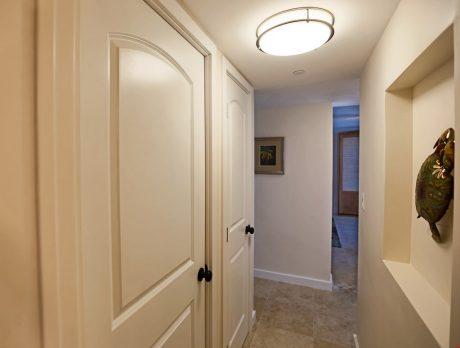 V0208_hallway