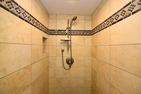 V1203_guest_shower