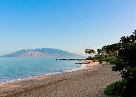 Beautiful Ulua Beach A Short Stroll From Grand Champions