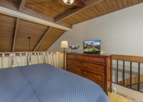Guest Bedroom - Loft