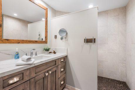 21. Guest Bath 1