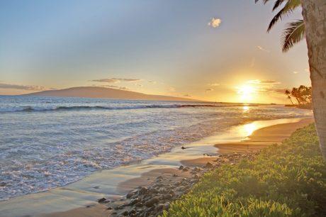 Beach at Puamana (2)