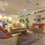 Living Room.jpg (2)