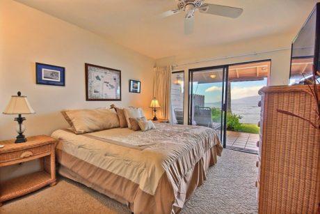 Master Bedroom.jpg (2)