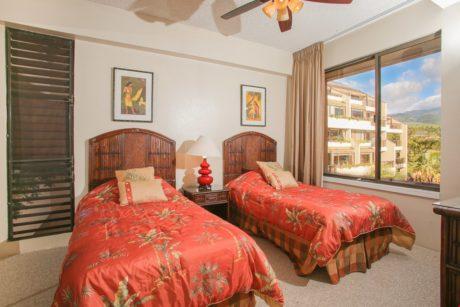 Sands of Kahana 366 - Second Bedroom - Twin Beds
