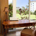 Bay Villa 37G4 desk