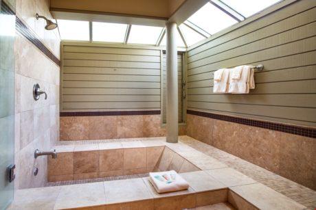Bay Villa 37G4 Guest Shower