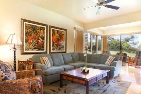 Bay Villa 37G4 Living room