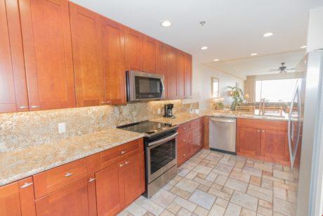 Sands of Kahana 275 - Fully Stocked Kitchen