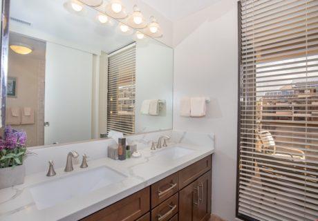 Sands of Kahana 366 - Guest Bathroom Vanity