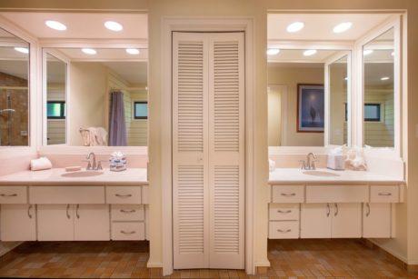 Kapalua Ridge Villa 414 - Guest Bathroom Double Vanity Sinks