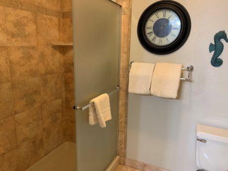 Sands of Kahana 134 Guest Bathroom