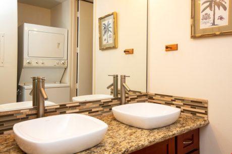Sands of Kahana 318 Guest Bathroom