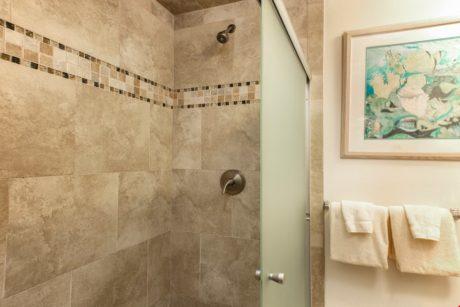 Sands of Kahana 336 Guest Bathroom