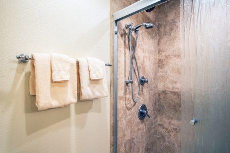 Sands of Kahana 373 Guest Bathroom - Copy