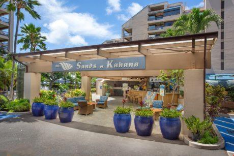Sands of Kahana Front Entrance