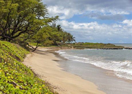 Waiohuli Beach Hale is on a white sandy beach