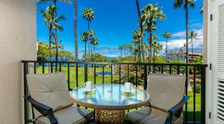 Balcony Ocean and Fountain Views