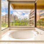 Sands of Kahana 237 Master bath tub view
